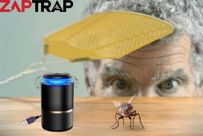 zaptrap, uomo che spia un insetto