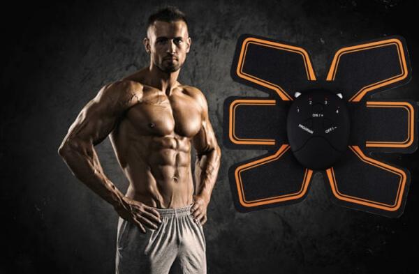 ems trainer, uomo con muscoli