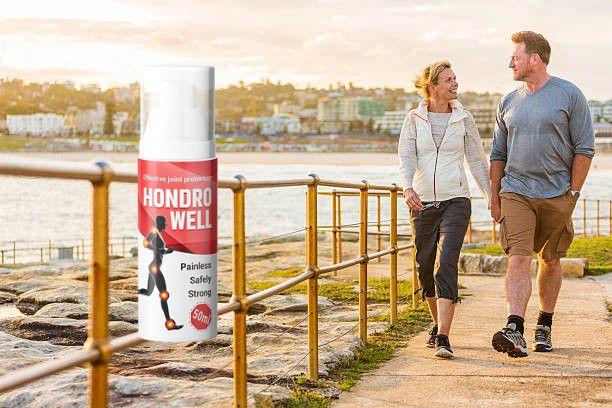 Hondrowell gente che cammina a riva