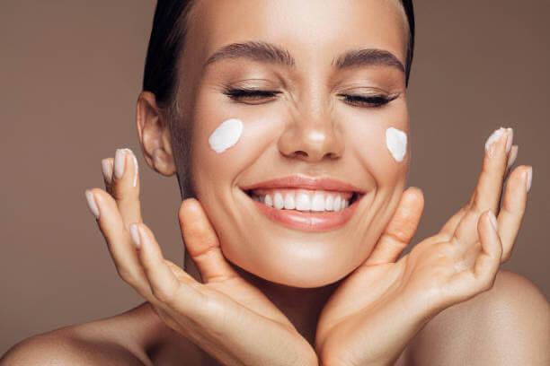 crema, pelle, cura del viso
