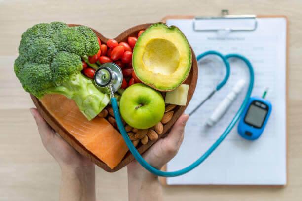 medico, pressione sanguigna, mela, formaggio