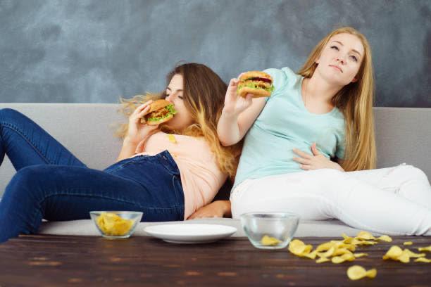 donne, mangiare, hamburger