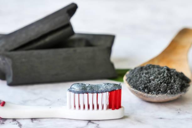 carbone attivo, spazzolino da denti